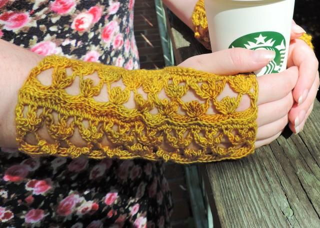 Daisy Buchanan Gloves (1)